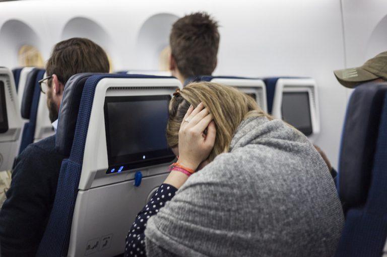 از خطرات هواپیما سروصدای زیاد در عقب هواپیما می باشد
