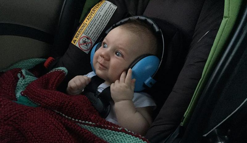 راه های جلوگیری از گوش نوزاد در هواپیما