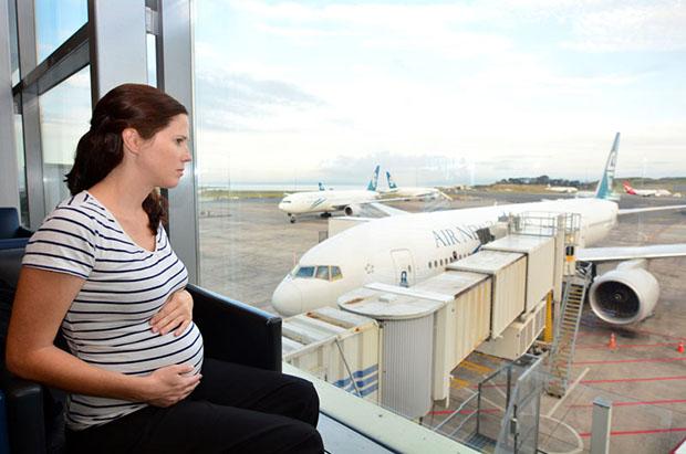 سوارشدن زنان باردار به هواپیما